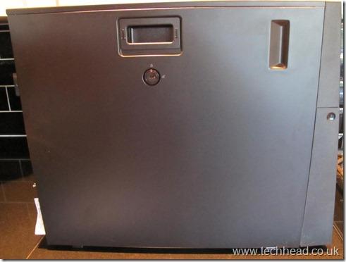 Lenovo TS200 side